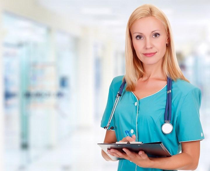 Доктор в клинике